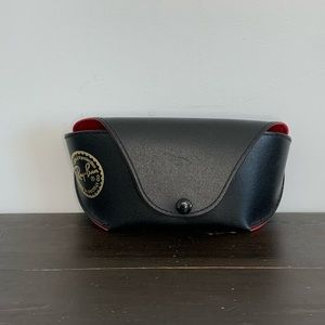 Ray Ban glasses case and cloth